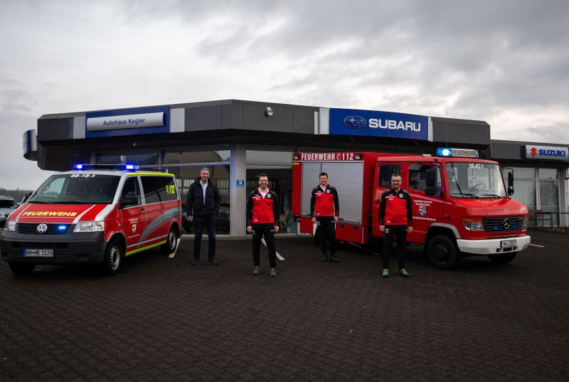 Neue Trainingsanzüge für Freiwillige Feuerwehr Herschbach