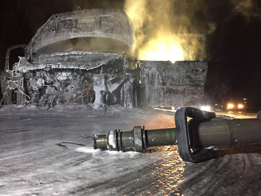 PKW auf A 3 bei Windhagen ausgebrannt