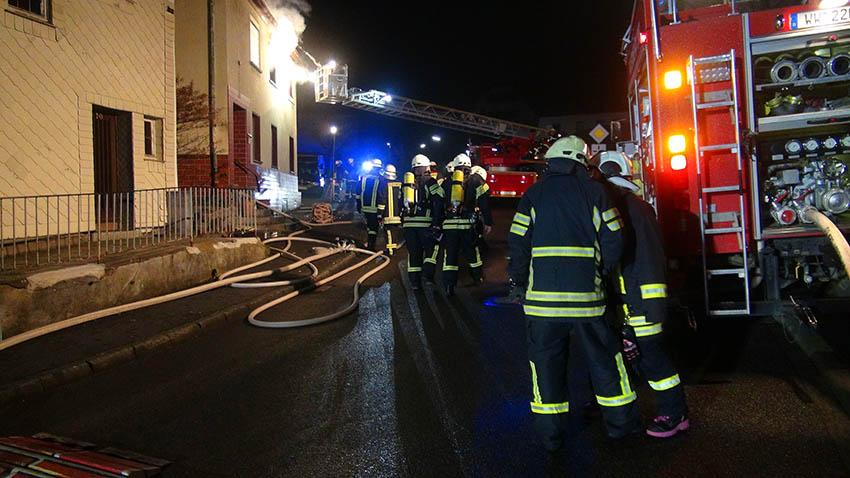 Brand einer ehemaligen Gaststätte in Meudt