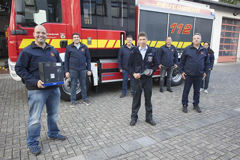 Förderverein beschafft Wärmebildkamera für Feuerwehr Puderbach