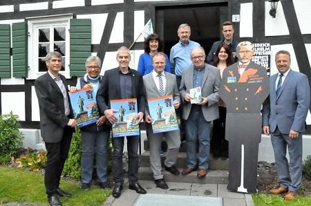 """Die Stadt Neuwied sowie die Verbandsgemeinden, die an der """"historischen Raiffeisenstraße"""" liegen, haben sich zur touristischen Kooperation """"Raiffeisenland"""" zusammengeschlossen. (Foto: kkö)"""