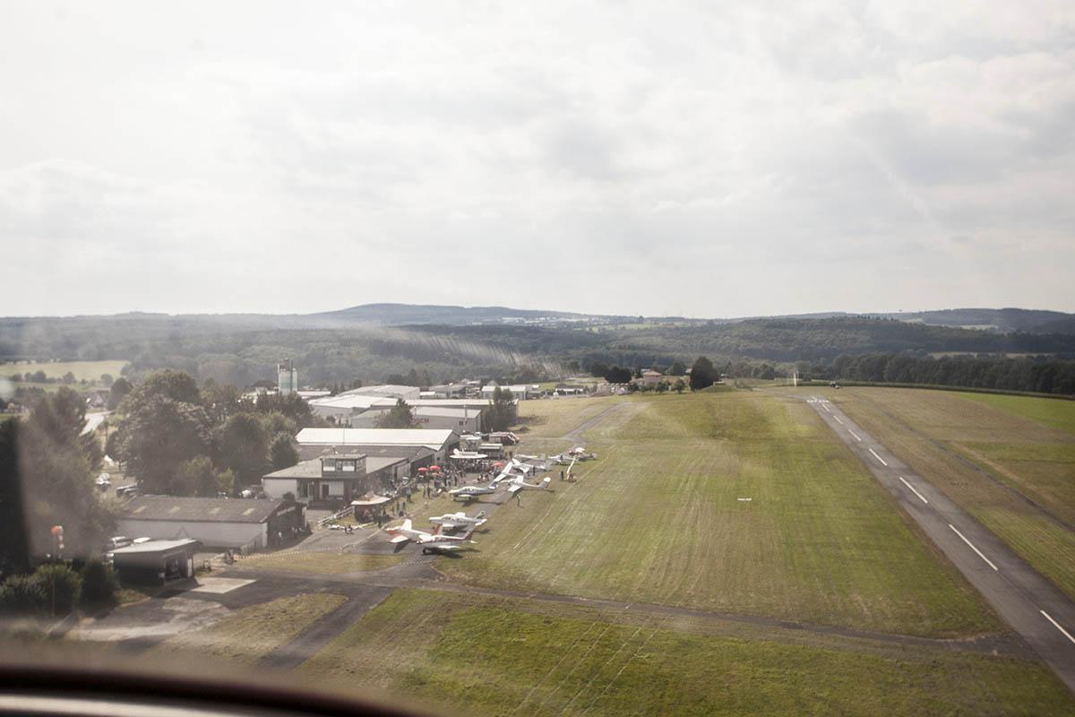 Flugzeug kollidierte bei Start in Wienau mit Baum
