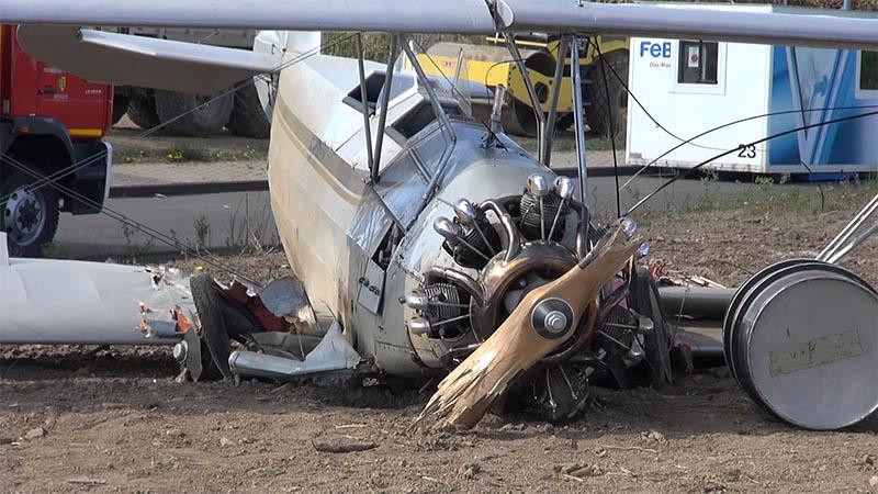 Alter Doppeldecker am Siegerland-Flughafen abgestürzt