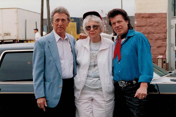 Oldtimertreffen zum f�nfj�hrigen Jubil�um des Elvismuseums