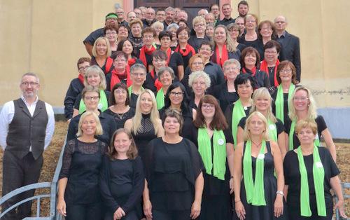 111 klangvolle Stimmen: Konzert der drei Fraser-Chöre in Marienrachdorf