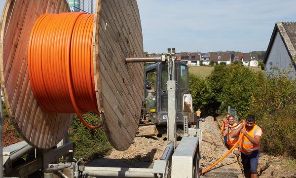 Der Landkreis Altenkirchen war einer der ersten Kreise in Rheinland-Pfalz, der das Förderprogramm des Bundesministeriums  nutzte, um die flächendeckende Breitbandversorgung im Kreis voranzutreiben. (Foto: Staatskanzlei/Frey)
