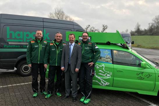 Westerwälder Rallyeteam erhält Spende für Schulbau in Gambia