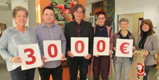 Fuchs Personal spendet 3.000 Euro an Hospizverein
