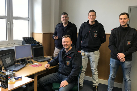 Funkwerkstatt f�r Kirchener Feuerwehren