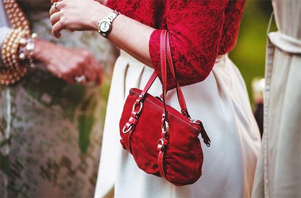 Gekonnt kombiniert: Welche Tasche passt zu welchem Outfit?