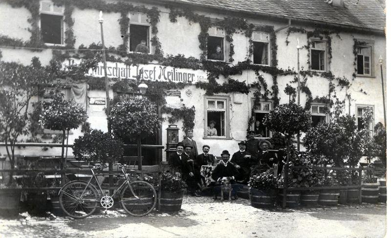 Gastlichkeit hat Tradition im Westerwald, hier: Gasthaus Meilinger 1904. Foto: Landschaftsmuseum Westerwald