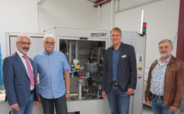 Präzise Prüfung: Wirtschaftsförderung besuchte Gefra GmbH in Friedewald