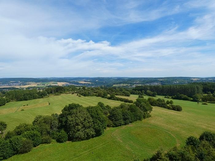 Von Hachenburg zum Gräbersberg – mit Aussichtsturm und Jöckels Hüttenzauber