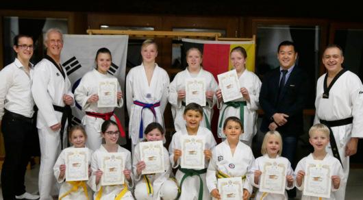 Erfolgreiche G�rtelpr�fung f�r Taekwondo Flammersfeld