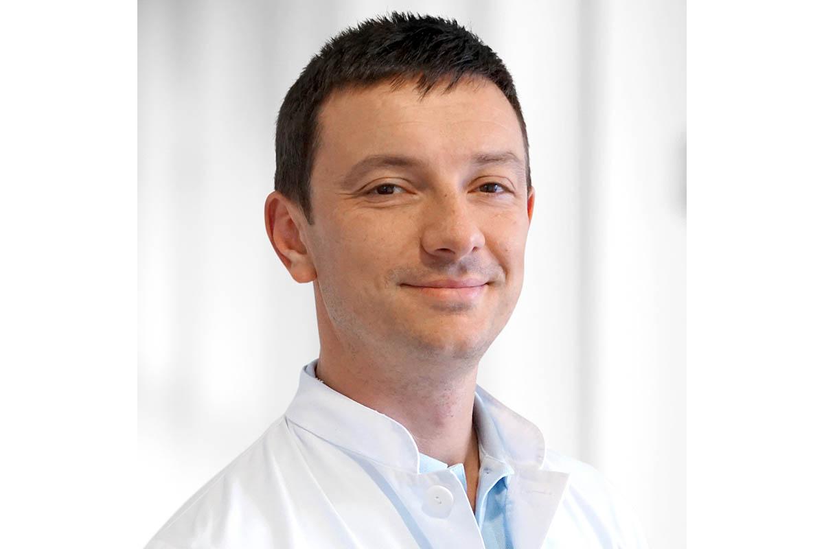 Aleksandar Hadji-Naumov, Oberarzt in der Neurologie des Evangelischen Krankenhauses Dierdorf/Selters (Foto: KHDS)