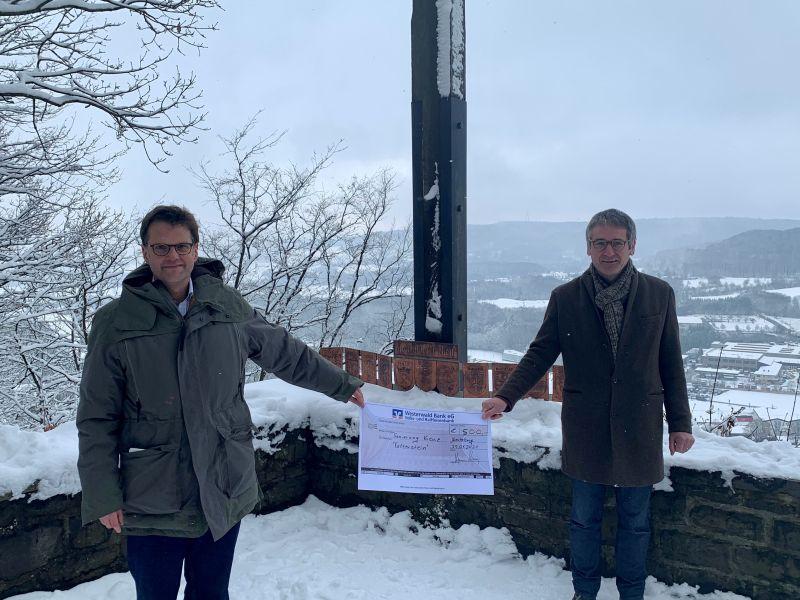 SPD Westerburger Land saniert das Kreuz der Heimatvertriebenen