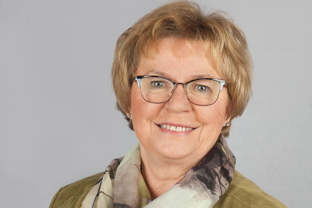 Ministerpräsidentin Malu Dreyer ehrt Hella Holschbach