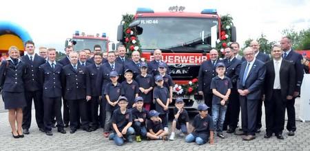 Horhausener Feuerwehr nimmt neues Löschfahrzeug in Betrieb