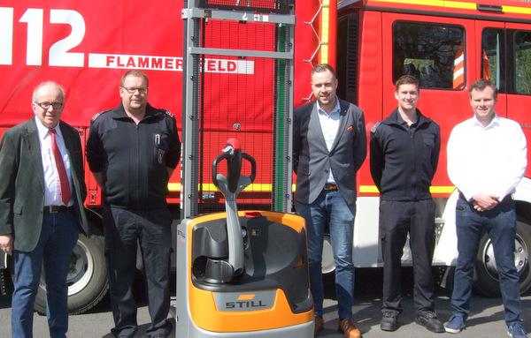 Neuer Hochhubwagen f�r die Feuerwehr Flammersfeld