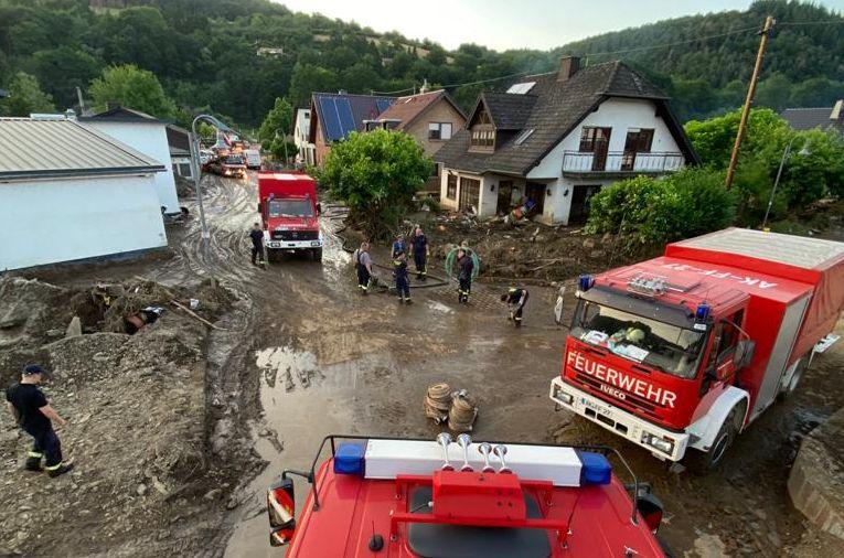 Unkel hilft den Opfern der Flutkatastrophe