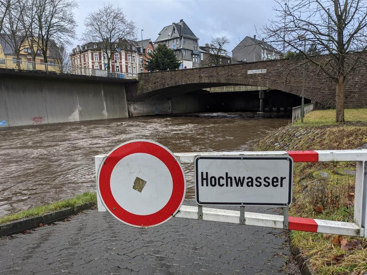 Anstieg von Sieg und Heller: Hochwassergefahr?