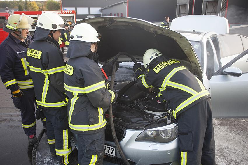 Fahrzeugbrand in Dernbach