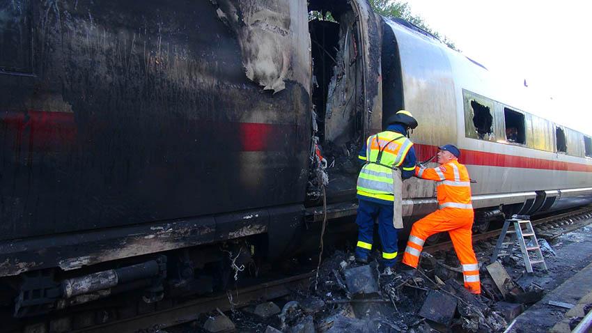 Gleis-Schäden nach ICE-Brand: Sperrung bis Ende der Woche