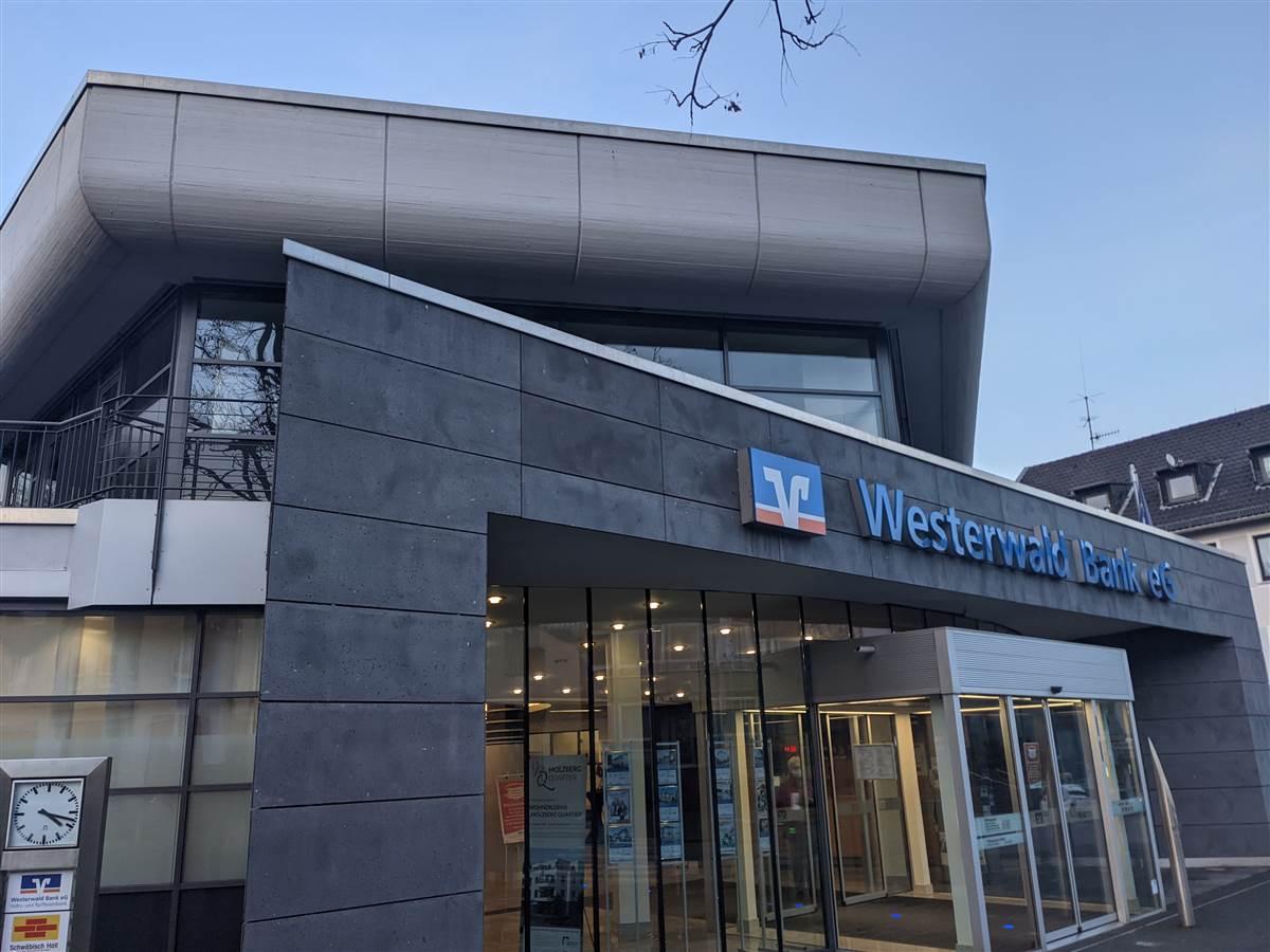 Im Landesimpfzentrum für den Kreis Altenkirchen in Wissen fanden am Donnerstag, 1. April, 195 Impfungen statt. Insgesamt sind nun 10.536 Erstimpfungen und 3.362 Zweitimpfungen vorgenommen worden. (Foto: ddp)