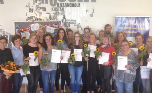 Fachkräfte für interkulturelle Arbeit: Zertifikate übergeben