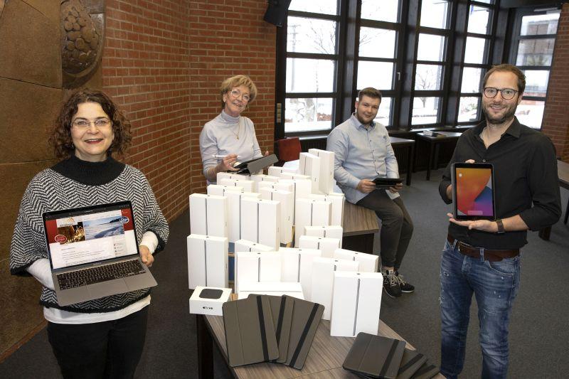 Tablets zur Ausleihe in den Grundschulen der VG Hachenburg sind da