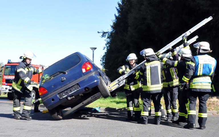 Letzte Jahresinspektion f�r die Feuerwehren der VG Altenkirchen