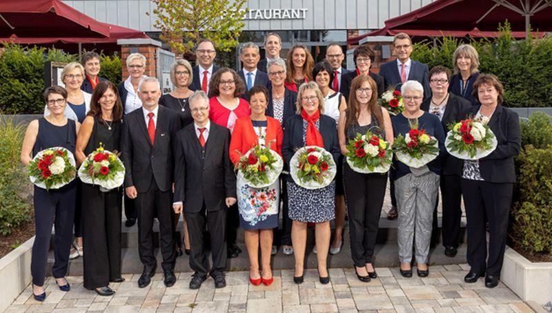 Vorstand dankt Dienstjubilaren für langjährige Treue