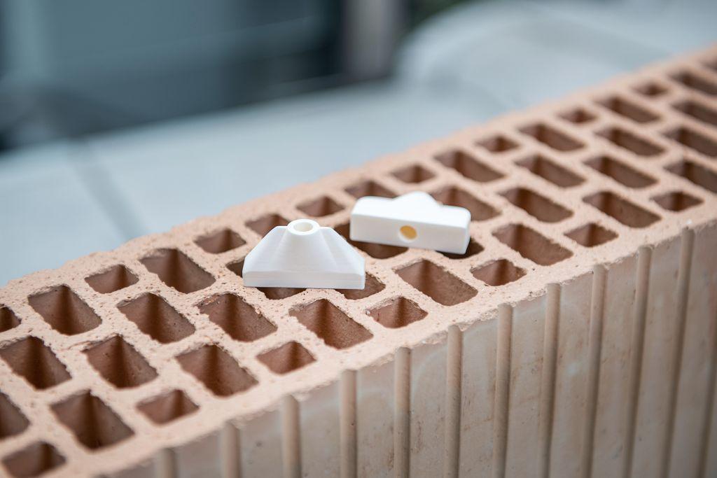 Ziegelherstellung in modernster 3D-Druck-Technologie mit Keramik