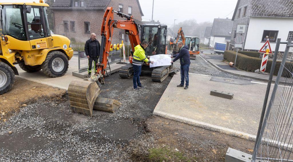VG-Werke sanieren Kanal- und Wasserleitung in Kirburg