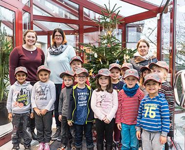 """""""Ranzenbande"""" schmückte Weihnachtsbaum"""