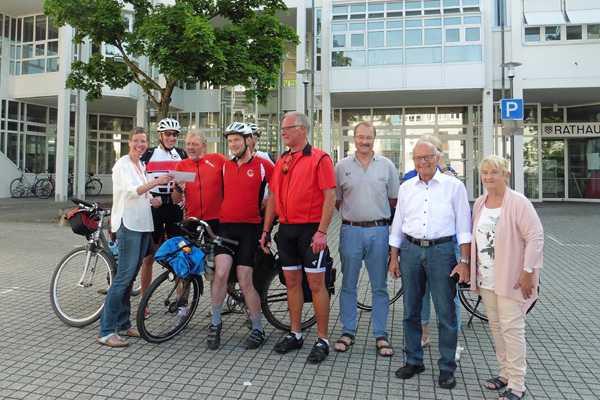 Fahrrad-Enthusiasten auf dem Weg in die Partnerstadt