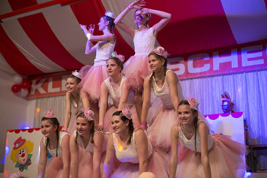 Sexy Klosterbrüder und atemberaubende Tänze in Kleinmaischeid