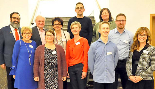 �KreatiV-K�pfe�: Verwaltungsmitarbeiter stellen im Kreishaus aus