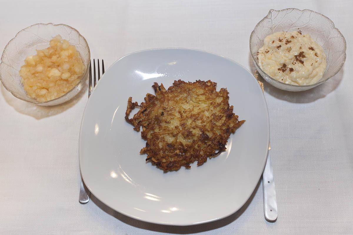 Westerwälder Rezepte: Krebbelcher mit Apfelmus und Reisbrei