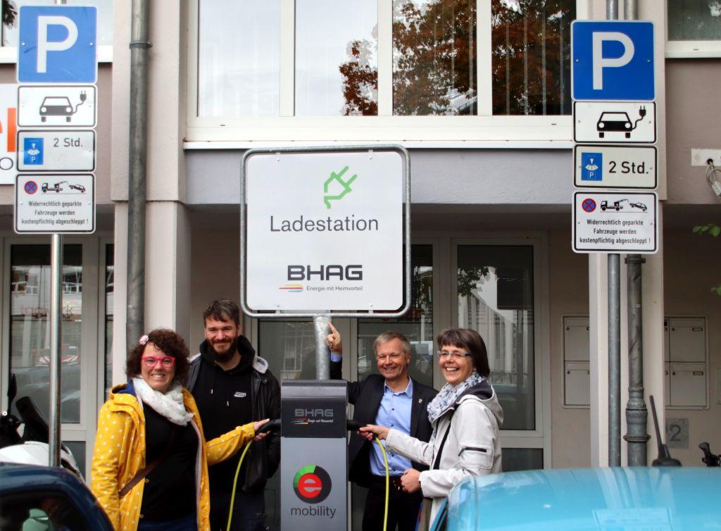 Zwei Ladestationen für Elektro-Autos auf dem Bad Honnefer Rathausplatz
