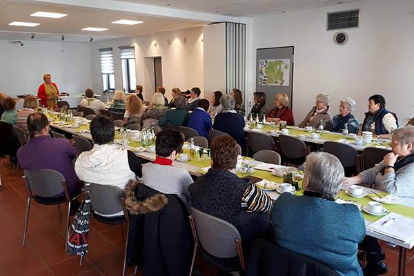 Vortrag und Delegiertentagung der Land-Frauen