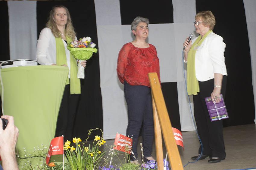 Landfrauen zeigten in Brückrachdorf Flagge