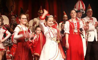 Kinderprinzessin Larice I. begrüßte die fröhliche junge Narrenschar im Kulturwerk Wissen. Fotos: KG Wissen