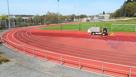 Laufbahnen im Oberwaldstadion Selters erstrahlen im neuen Glanz