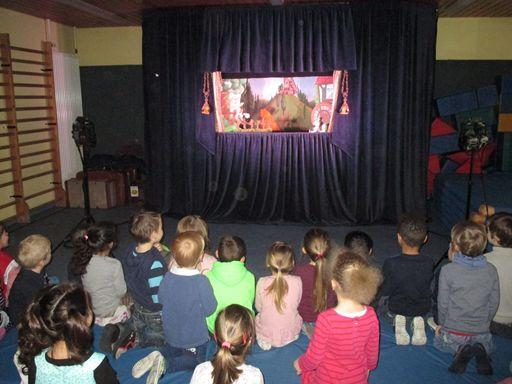 Puppenbühne zu Besuch im Leutesdorfer Kindergarten