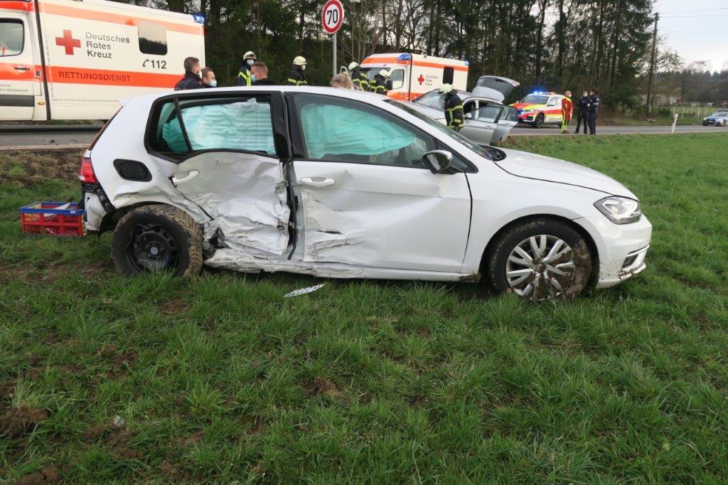 Verkehrsunfall mit sechs verletzten Personen