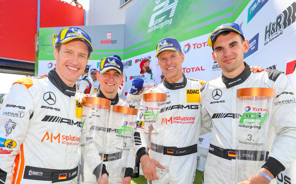 Luca Stolz auf dem Nürburgring wieder auf dem Podium
