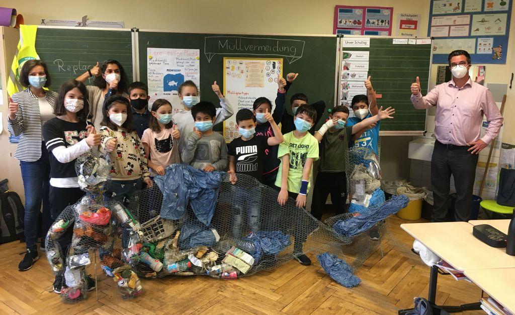 Kinder beschäftigten sich intensiv mit Umweltschutz