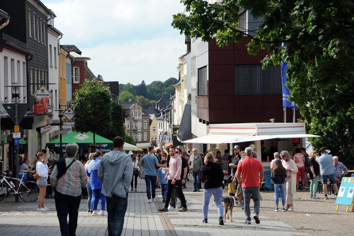 """Zum Abschluss vom """"Heimat shoppen"""": Stadtmarkt und verkaufsoffener Sonntag in Altenkirchen"""