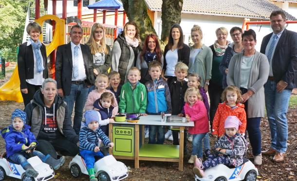 Neue Matschküchen und Juniorcars gab es für die Kindertagesstätten aus dem Bereich der ehemaligen Verbandsgemeinde Gebhardshain. (Foto: privat)